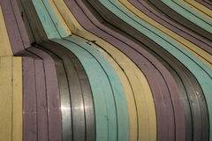 Vieux fond endommagé coloré de toit de feuillard Image libre de droits