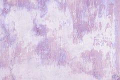 Vieux fond grunge violet de texture de mur Images stock