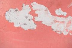 Vieux fond rose criqué de mur Image stock