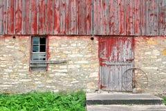 Vieux fond rustique de mur extérieur de grange Photos stock