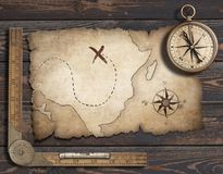 Vieux fond vide de carte avec la boussole Concept d'aventure et de voyage illustration 3D Image libre de droits
