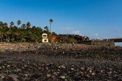Vieux fort sur un rivage photos libres de droits