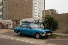Vieux frappé vers le haut du véhicule Photo libre de droits