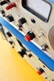 Vieux générateur de source d'énergie Photographie stock libre de droits