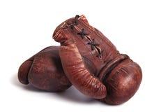 Vieux gants de boxe images stock