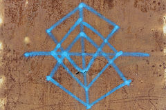 Vieux graffiti de plaque métallique rouillé Photographie stock
