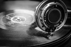 Vieux Grammophone jouant, se ferment vers le haut du macro tir Photo libre de droits