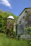 Vieux grange et silo - été image libre de droits