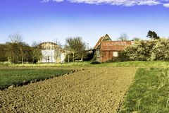 Vieux granges et hangars abandonnés Photo libre de droits
