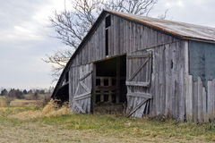 Vieux Gray Barn Images stock