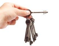 Vieux groupe de clés rouillé à disposition Images stock