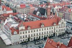 Vieux hôtel de ville dans une place médiévale du marché à Wroclaw, Pologne photo libre de droits