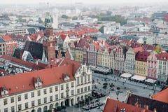 Vieux hôtel de ville dans une place médiévale du marché à Wroclaw, Pologne photos stock