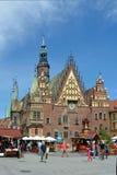 Vieux hôtel de ville à Wroclaw - en Pologne photographie stock libre de droits