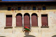 Vieux hôtel de ville avec des fresques dans Oderzo dans la province de Trévise en Vénétie (Italie) Image libre de droits