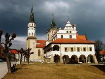 Vieux hôtel de ville et église Image libre de droits