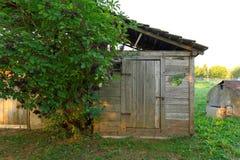Vieux hangar en bois photographie stock libre de droits