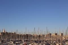 Vieux-haven DE Marseille op hemel royalty-vrije stock afbeeldingen