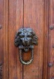 Vieux heurtoir de porte Image libre de droits