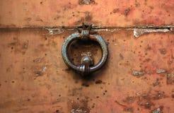 Vieux heurtoir de trappe Photographie stock