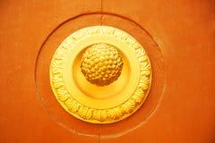 Vieux heurtoir de trappe italien Photo stock