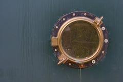 Vieux hublot de bateau Photographie stock libre de droits