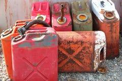 Vieux jerrycans Photo stock