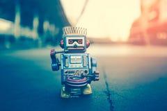 Vieux jouet de robot Image stock