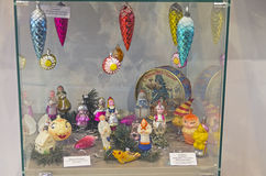 Vieux jouets de Noël sous forme de caractères de conte de fées Image stock