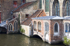 Vieux l'hôpital de rue John à Bruges photos libres de droits