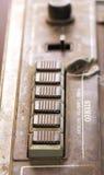 Vieux lecteur de cassettes poussiéreux macro photos Image stock