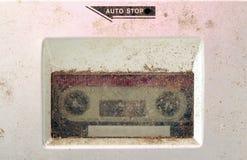 Vieux lecteur de cassettes poussiéreux macro photos images stock