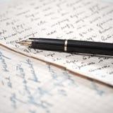 Vieux lettre et stylo-plume. Image stock