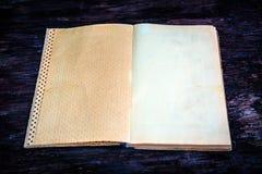 Vieux livre vide photographie stock libre de droits