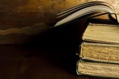 Vieux livres avec l'espace de copie Photographie stock libre de droits