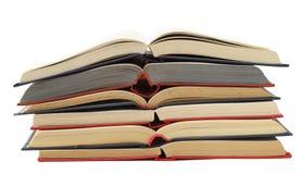 Vieux livres bleus et rouges ouverts Image libre de droits
