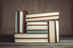 Vieux livres de cru Images stock