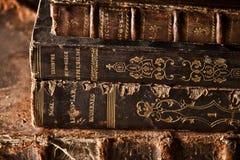 Vieux livres poussiéreux Image stock