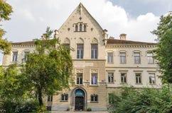 Vieux lycée en Transylvanie Images libres de droits