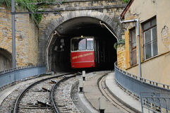 Vieux Lyon Fourviere Funiculaire im Tunnel Stockfotografie