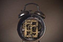 Vieux mécanisme exposé d'horloge Photographie stock libre de droits
