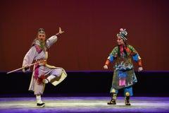 """ vieux mais des vigoureux-enfants de Pékin Opera""""Yue de teenager†Image stock"""