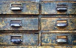 Vieux meuble d'archivage image libre de droits