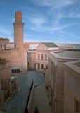 Vieux minaret de ville de Bakou images stock