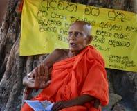 Vieux moine bouddhiste photographie stock libre de droits
