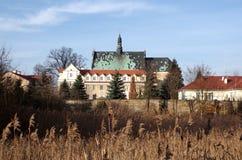 Vieux monastère dans Lutomiersk photo stock