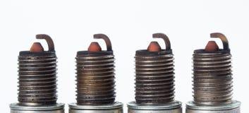 Vieux moteur de l'électricité de bougie de réparation de voiture, étincelle images libres de droits