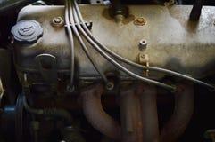 Vieux moteur de voiture sale Photo stock