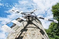 Vieux moulin à vent de tour dans Holic, Slovaquie, thème architectural photos stock