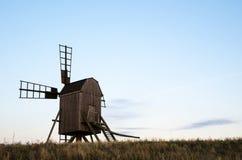 Vieux moulin à vent en bois Image libre de droits